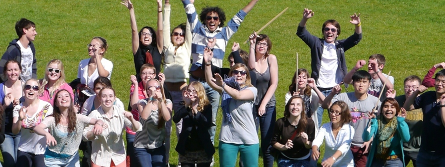 2012-Big-Group-at-Amphitheatre-Waving